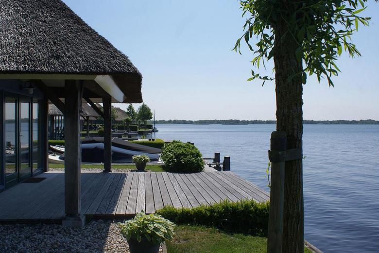 De Mooiste Vakantiehuizen : Dit zijn de mooiste vakantiehuizen aan het water in nederland